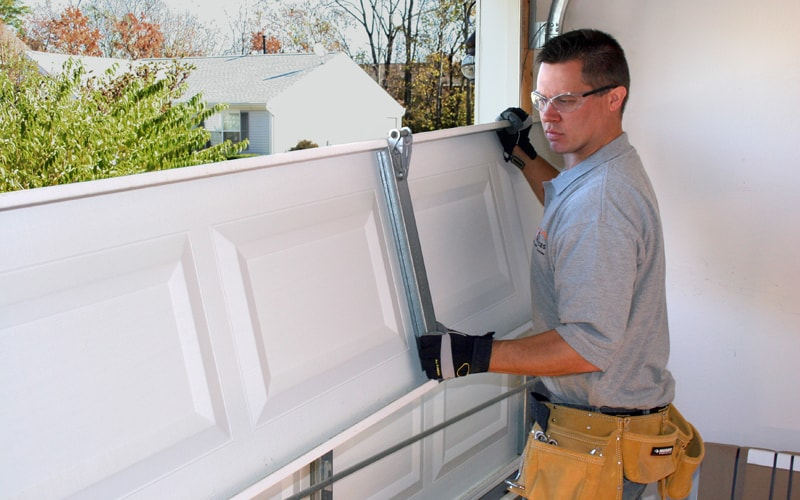 7 Steps Everyone Should Take Before Hiring a Garage Door Repair Company
